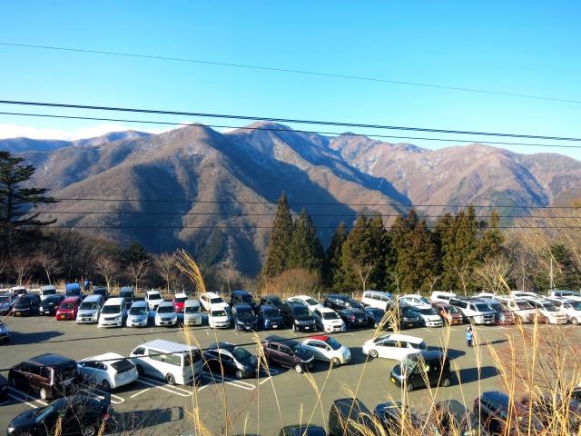 三峯神社駐車場