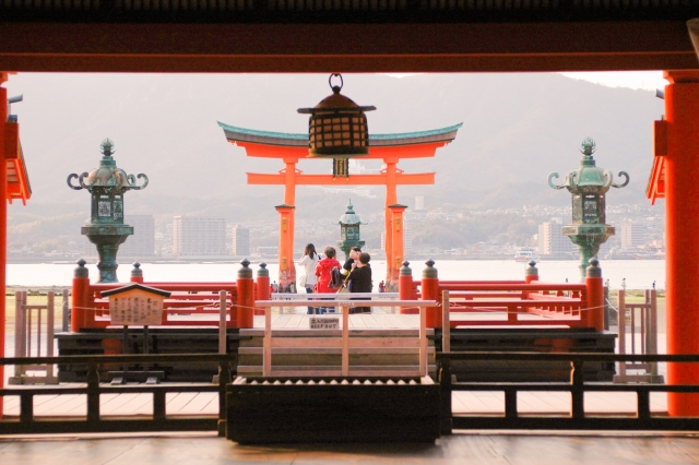 厳島神社本殿母屋から大鳥居