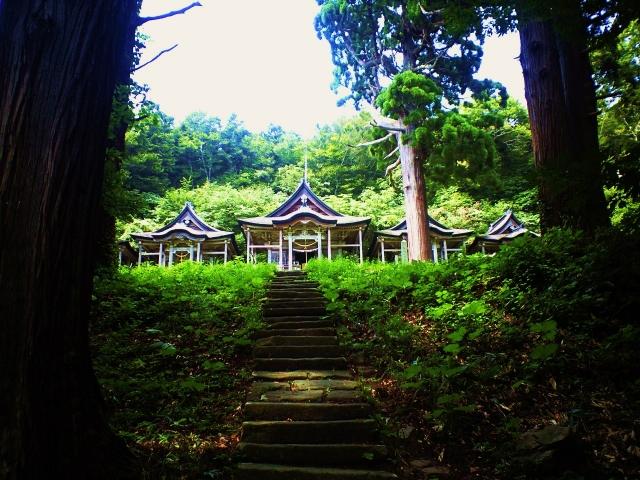 秋田県男鹿市赤神神社五社堂