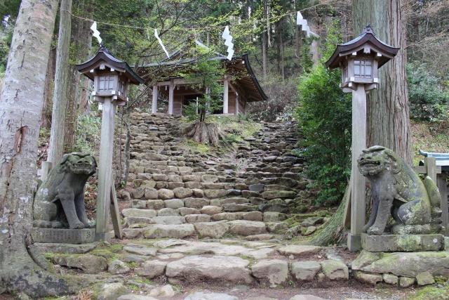 秋田県男鹿市真山神社