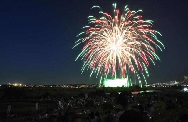 川崎市制記念多摩川花火大会