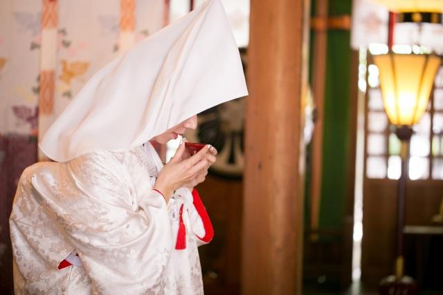 咲羅紅さくらべに巫女占い師