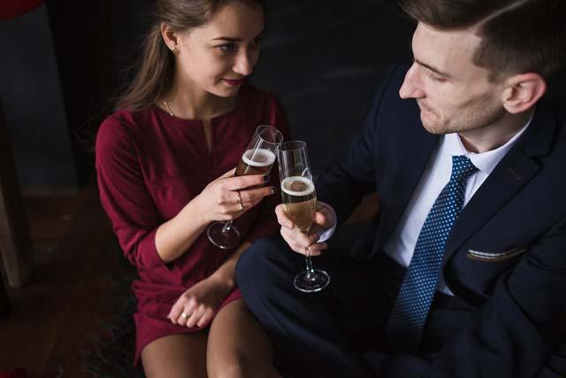 同窓会恋愛の種元同級生への恋心が燃える盛り上がる理由異性として見る目