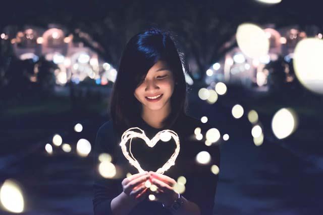 12星座別魚座うお座女性の特徴深い愛情を注ぐ
