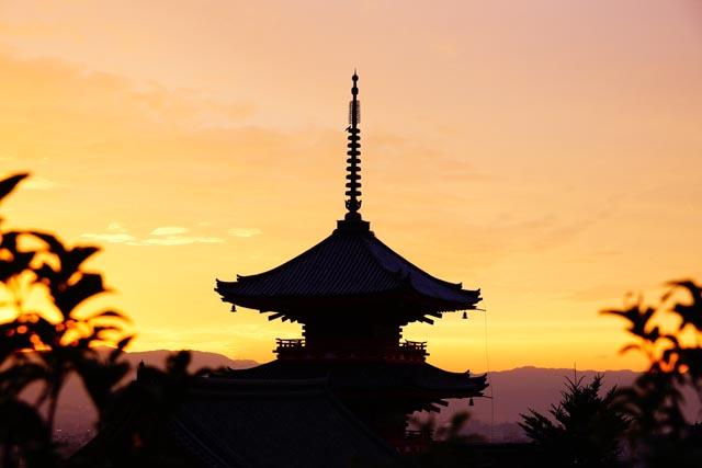 幸せな子供に育つ姓名判断のポイント赤ちゃん名づけ神社・お寺に相談
