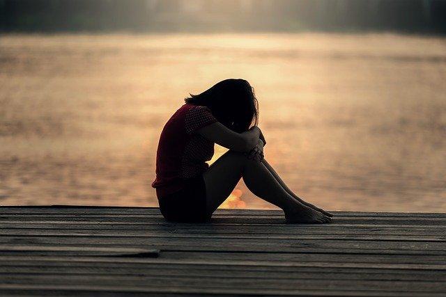 好きだけどフラれた告白失恋したら諦めるべきか