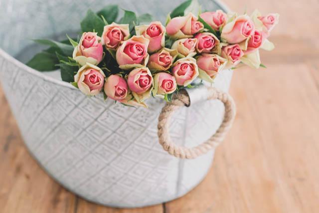 _結婚運アップ風水ベッドルーム寝室ピンクのバラ薔薇