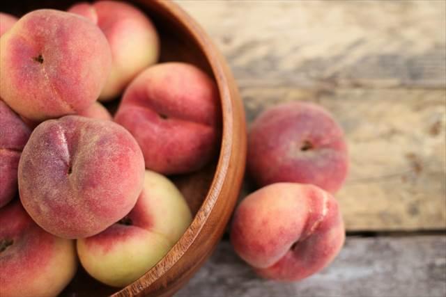 簡単に恋愛運アップを狙うなら桃を食べる